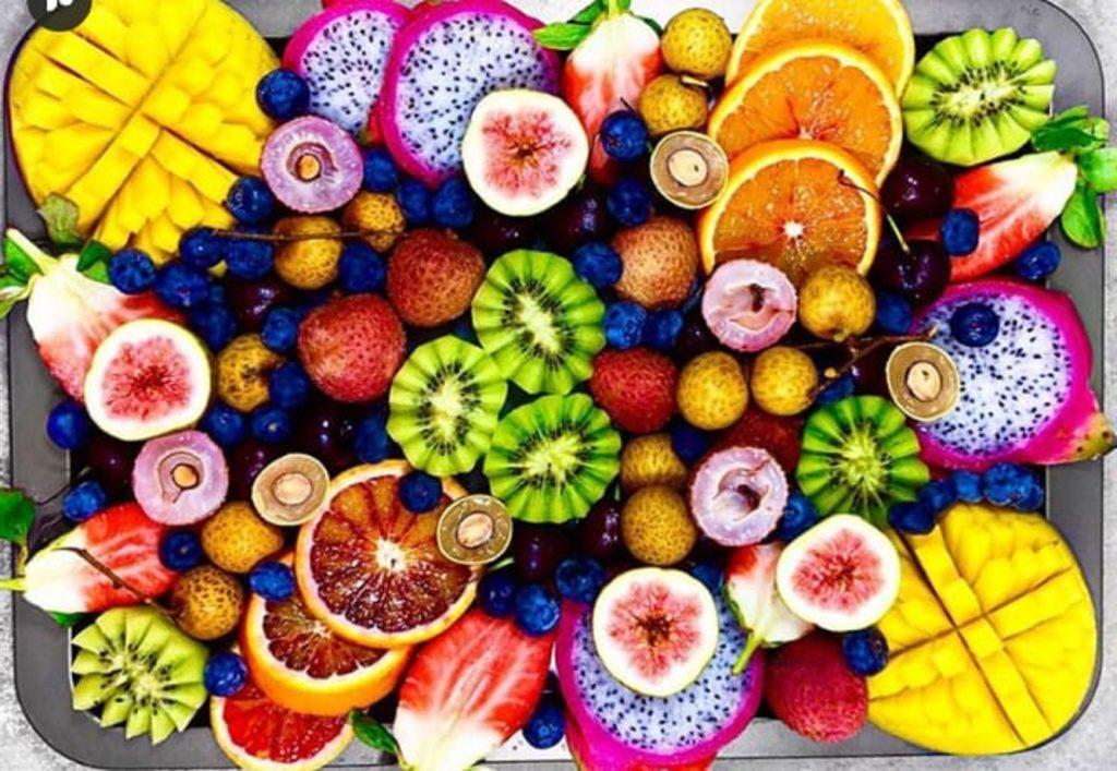 Jual bibit tanaman buah unggul - Berikut ini KEBUNMAS.COM akan menyebutkan nama-nama bibit tanaman buah yang hidup di bumi
